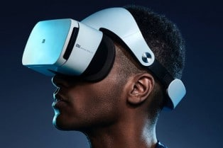 5 Must Have Gaming Gadgets: Bring Your Game Play Experience To A Hole New Level